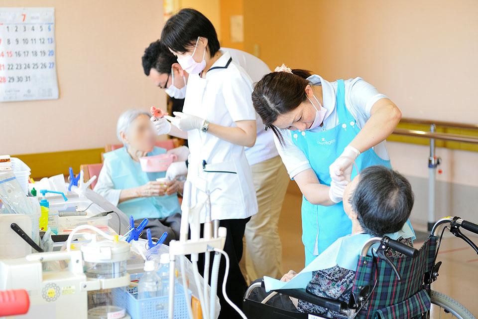 歯の検査中